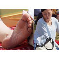 【足裏】清潔感あるキレイな奥さんが見られたくない角質たっぷりの足の裏