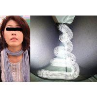 【マッサージ器】フットマッサージ体験中の奥さんパンチラ#10