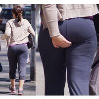 【巨尻】テニス後の汗ビッショリのカラダにトレーニングパンツが張り付く奥さん