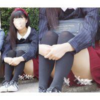 【座り】ショーパン奥の黒を魅せる大人しいお姉さん