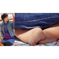 【足裏】むちむちしたカラダのキレイな奥さんの恥ずかしいパンストの足の裏