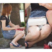 【座り】デニムスカートの奥で蒸れた股間部分を魅せるお姉さん