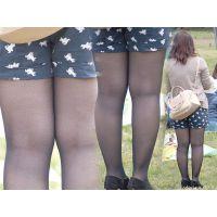 可愛いむっちり女子大生の美味しそうな美脚を包み込む黒タイツ...