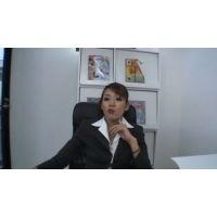 【ゲロスカ】男子社員をすべて人間便器にした女社長の嘔吐排泄映像