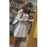 【逆さpart4】本屋美人JDミニスカ生P!スタイルめっちゃいい!