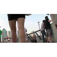 【内腿】女子大生二人のきわどい内腿!てをつっこみたい!