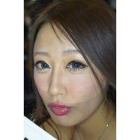 テカリ唇 2