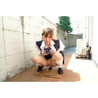 ◆素人投稿動画 美乳でナイスバディの●女 優奈(18歳) エロいです!file04 路●●でディルドオナニー!◆本編目線無し