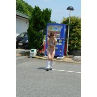 ◆素人投稿動画 美乳でナイスバディの●女 優奈(18歳) エロいです!file02 全裸で自販機にジュースを買いにいかせました!