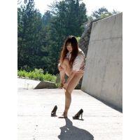 ◆素人投稿動画 ◆HD高画質 千●在住のエロOLをゲット!見せたがりの露出女です!file02a 路●でパンスト&パンツ脱ぎ!◆