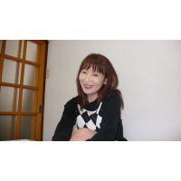 昼は部下の指導にあたっているというキャリアウーマン 斉藤紀子 47歳