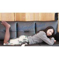 恥骨を押し付けてグラインドする変わってるオナニー 沙也加 40歳