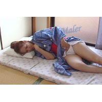 裾の乱れを直して恥らいながらのオナニーは昭和の匂いがする。千里 45歳