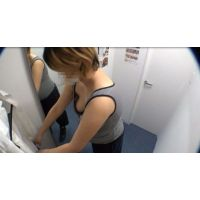 【隠撮】カフェ店員更衣室生着替え定点カメラ映像2