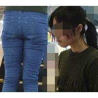 【FHD】お尻動画03 デニムパンツが濡れてる長身JKを舐め回すように追っかけ撮影