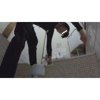 【盗撮】アイドル級のルックス!激カワ居酒屋店員がおしっこ搾り出す瞬間を激写!!【素人】
