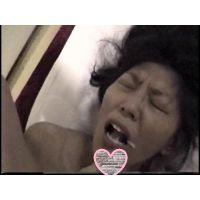 【個撮】必見!! イカせてくださいと懇願して何度も痙攣イキする板〇由〇激似の美熟女