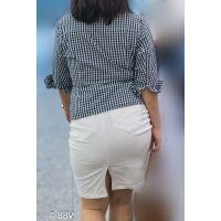 ウホッ!ヤバイぐらいエロい、デカ尻熟女発見!白のタイトスカートがパツパツのプリップリ!