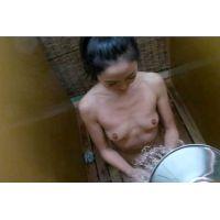 ◆海の家のシャワー・ルームで気になる女の子のシャワー・シーンを撮影 01