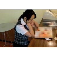 ◆カフェでくつろいでいる女の子のパンチラ盗撮 30