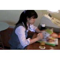 ◆カフェでくつろいでいる女の子のパンチラ盗撮 20