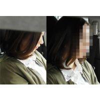 【FHD】20歳女子大生の車の中での生足パンチラ&足の埋没毛くっきり!