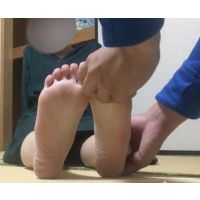 18-year-old beauty slender Sanae-chan tickles the soles of her f