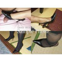 土足の踏み付け写真集〜爪先&汚れた靴底Vol.1