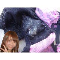 【悪戯】憧れの友達の可愛いゼブラ柄パンティーはオリモノがベットリ...
