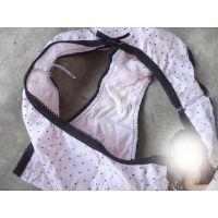 【悪戯】同じクラスの同級生が履いてたのはピンクの可愛い綿パンティーだった...