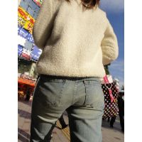 お姉さんの履き込んだジーンズ