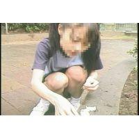 公園で遊ぶ少女1