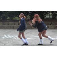 ペロンペロン♪JKスカートめくり合いゲーム