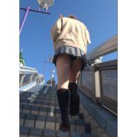 【低視線追跡動画�】ミニスカ制服JK