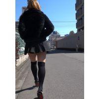 【低視線追跡動画�】ミニスカニーソの超ミニお姉さん