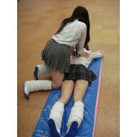 『制服エクササイズ』JKパンチラ体操♪