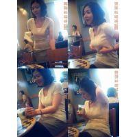 ★カフェの巨乳美女★