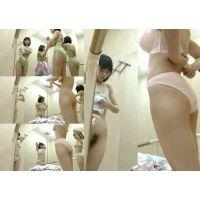 美乳で小柄なお姉さん更衣室 HD vol.2