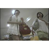 ・(総集編)20代前後の私服女子パンチラ動画(4)