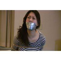 着衣拘束&猿轡フェチ動画 [YK57 緊縛隷嬢 テープギャグとニーハイブーツ Part2]