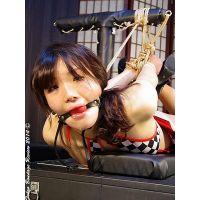 着衣拘束&猿轡フェチ動画 [HK21 レースクイーン寛子 被虐の拘束台 Part5]