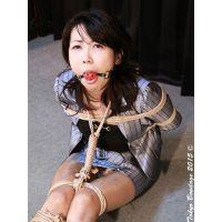 AY18 美熟女秘書 彩香 恥辱のヨダレ採取 Part1