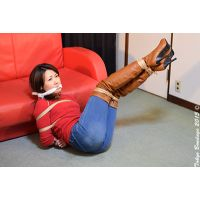 着衣拘束&猿轡フェチ動画 [AY13 ジーンズとサイハイブーツの美熟女 彩香 Part1]