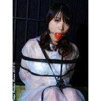 着衣拘束&猿轡フェチ動画 [HK11 フェティッシュボンデージ レインコートの生贄 寛子 Part1]
