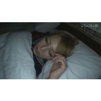 夜這いシリーズ ギャル系美少女パイパンTバック浪速娘 22歳 るな 寝ている間にやりたい放題! 上半身編