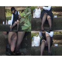 【顔出しパンチラ動画】OLスケスケナイロン黒ソックス(パンプス脱いで足裏丸見え)