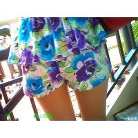 夏になると増加する花柄ファッションの美脚なおねーさんに反応する