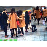 待合せ広場に女子大生集団がいっぱい居たのでずっと足を見ていました