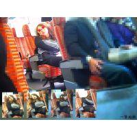2つ後ろの席のおねーさんの乱れた寝姿がエロ過ぎて興奮し撮ってみた