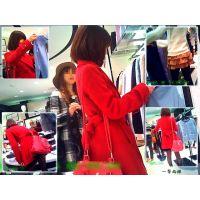 真っ赤なコートの美脚嬢に一瞬でひと目惚れして買物風景を観察した